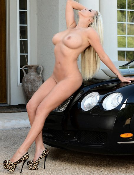 outdoornudes-xogisele-bentley